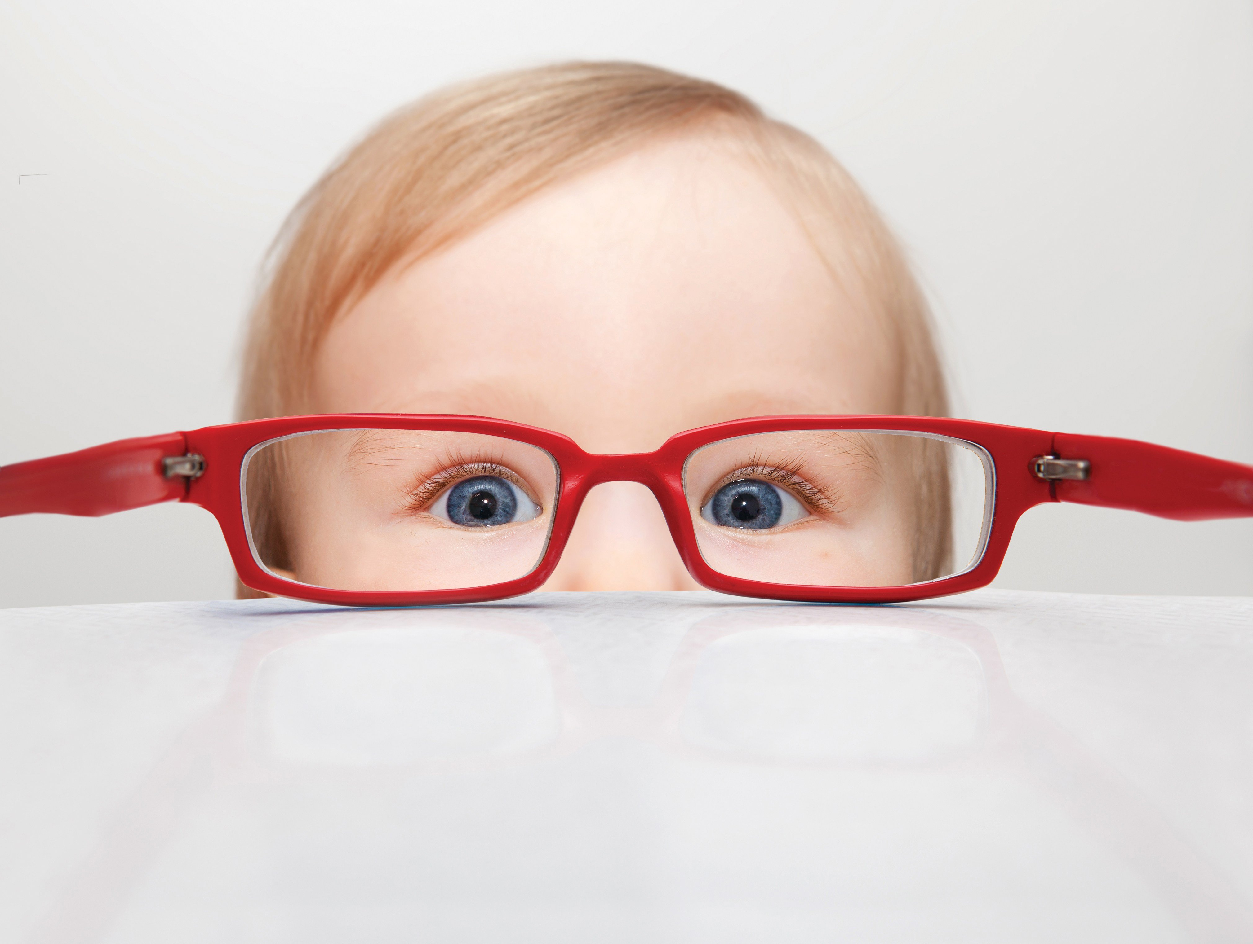 571952de2 Meu filho não quer usar óculos. E agora? - Neuro Kinder
